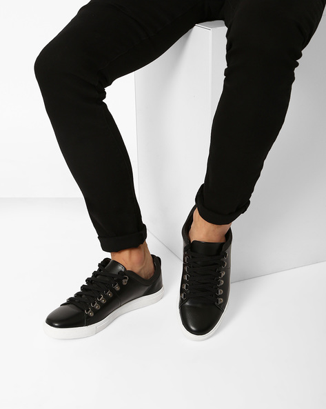 Low-Top Sneakers With Metal Eyelets By AJIO ( Black )