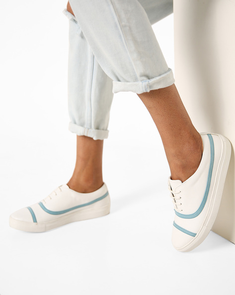 Low-Top Panelled Shoes By AJIO ( Blue )