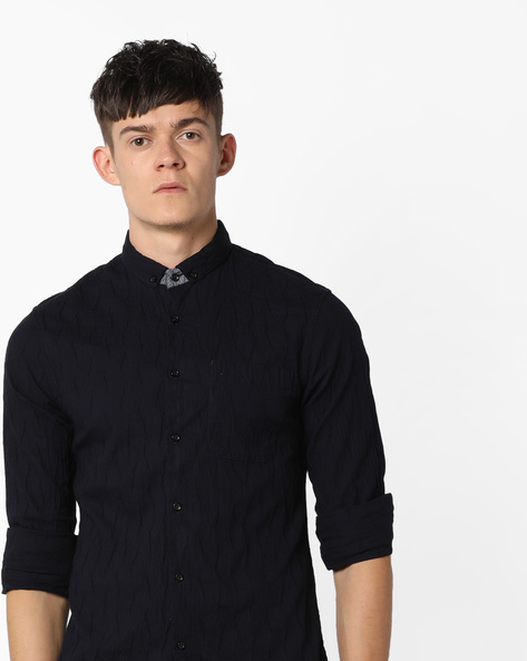 Crinkle Slim Fit Shirt With Button-Down Collar By AJIO ( Navy )