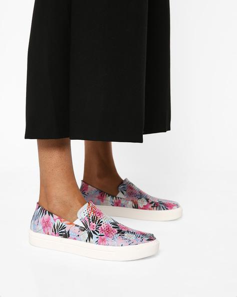 CitiLane Roka Printed Slip-On Shoes By CROCS ( Multi )