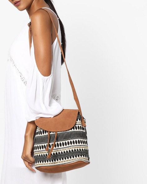 Jacquard Sling Bag By Kanvas Katha ( Multicolor ) - 460124226001