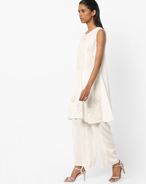 Sleeveless Tunic With Keyhole Neckline By AJIO ( Offwhite )