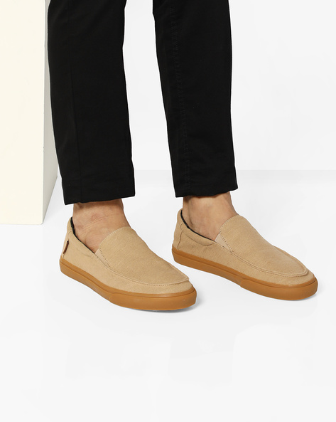 Classic Slip-On Casual Shoes By Vans ( Brown )