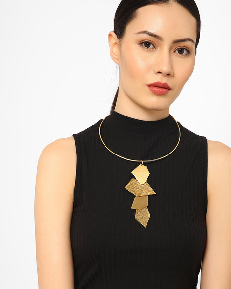 Short Necklace With Pendant By AJIO ( Gold )