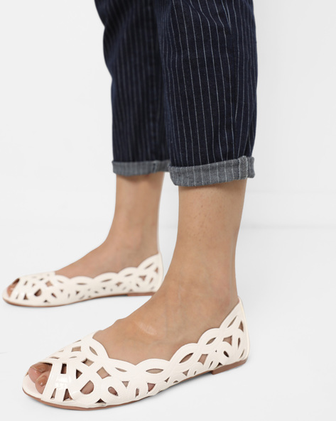 Peep-Toe Ballerinas With Cutouts By Carlton London ( White )
