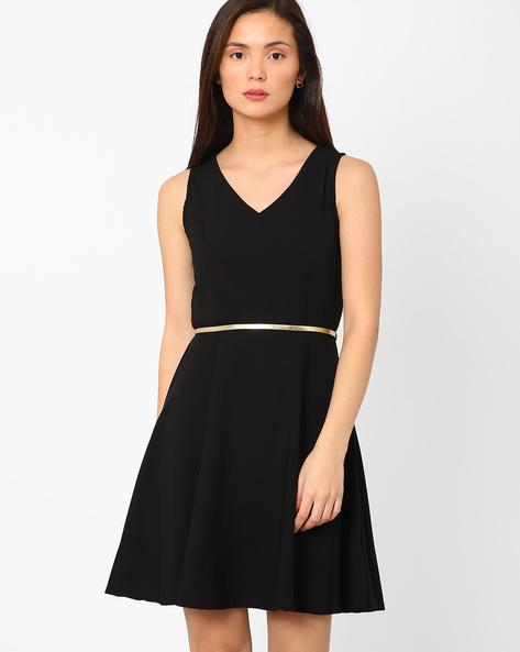 V-neck Fit & Flare Dress By AJIO ( Black )