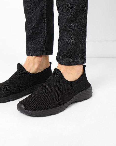 Slip-On Casual Shoes By AJIO ( Black )