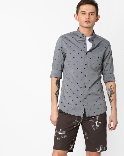Printed Slim Fit Shirt With Button-Down Collar By AJIO ( Charcoal )