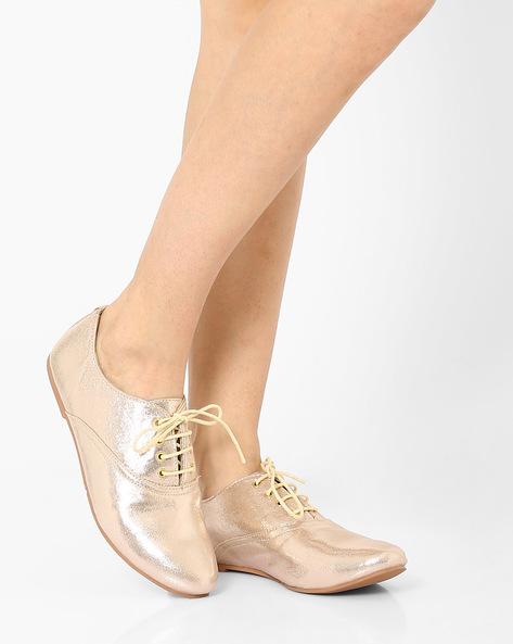 Metallic Lace-Up Shoes By Carlton London ( Champagne )