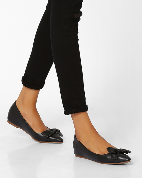 Pointy-Toe Ballerinas With Bow By MFT Couture ( Black )