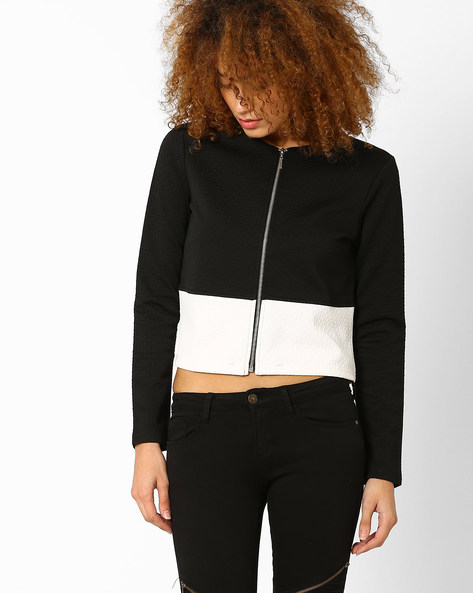 Cropped Colourblock Jacket By AJIO ( Black )