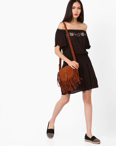 Off-Shoulder Dress With Floral Embroidery By Oxolloxo ( Black )