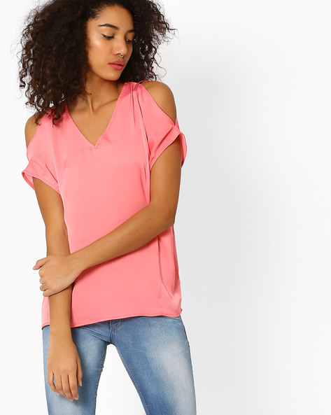 Crepe Top With Cold Shoulder Sleeves By AJIO ( Pink )