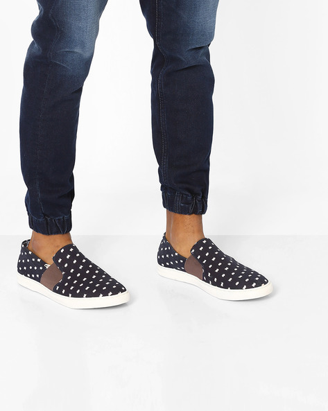 Slip-On Casual Shoes By AJIO ( Assorted )