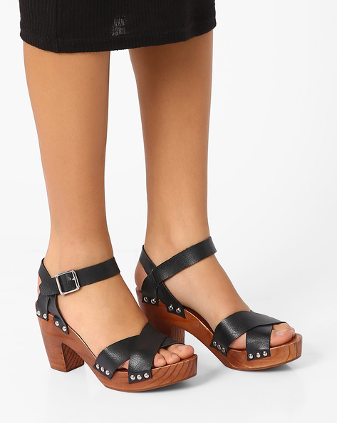 Chunky Heels With Criss-Cross Strap By AJIO ( Black )