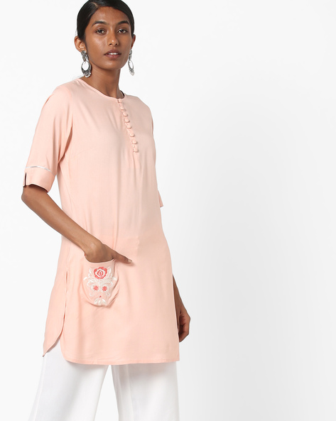 Embroidered Straight Kurta With Potli Buttons By AJIO ( Peach )