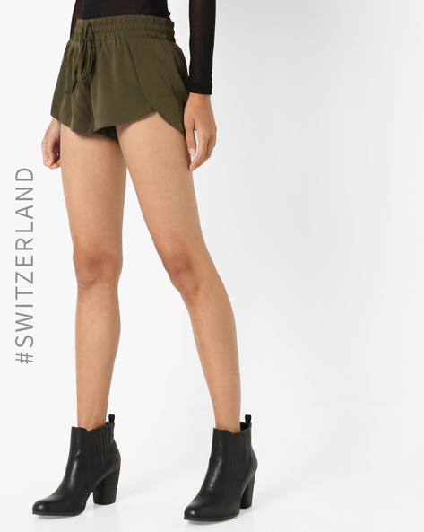Mid Rise Shorts With Waist Tie-Up By TALLY WEiJL ( Green )
