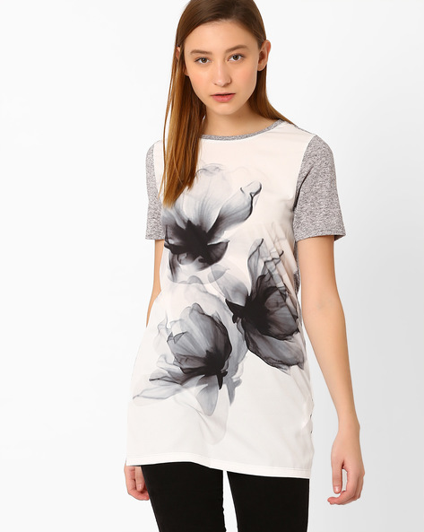 Graphic Print Top By Vero Moda ( Grey )