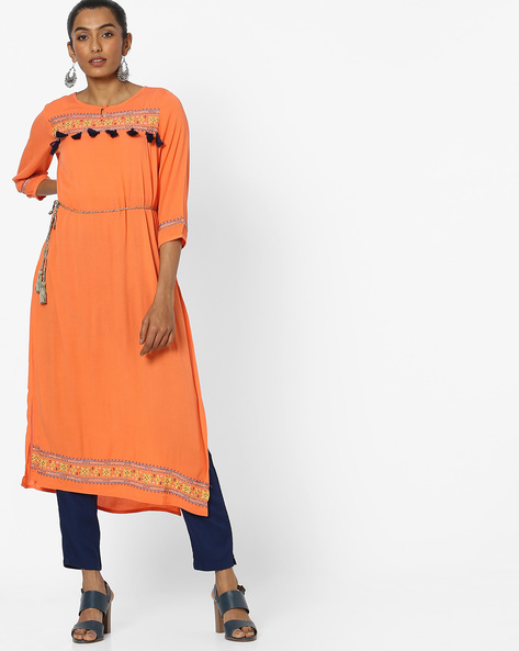 Embroidered Kurta With Tassel Tie-Up By COLOUR ME ( Orange )