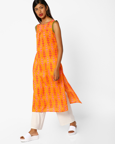 Printed Sleeveless Straight Kurta By AJIO ( Orange )