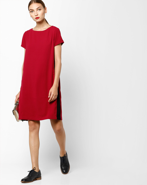Shift Dress With Contrast Panels By AJIO ( Pink )