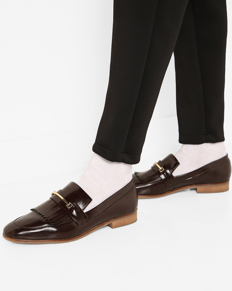 Slip-On N9-Treated Formal Shoes By AJIO ( Brown )