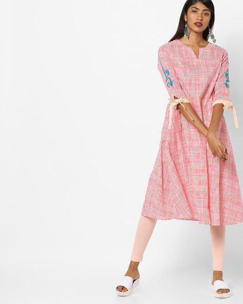 Printed Kurta With Tie-Up Sleeves By AJIO ( Coral )