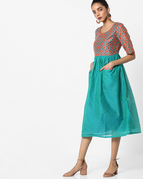 Printed Fit & Flare Midi Dress By AJIO ( Teal )