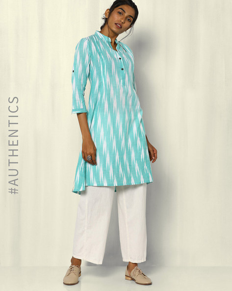 Handwoven Ikat Cotton Kurta With Wooden Buttons By DRAP ( Green )