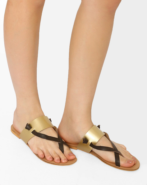 Flats With Criss-Cross Straps By Curiozz ( Gold )
