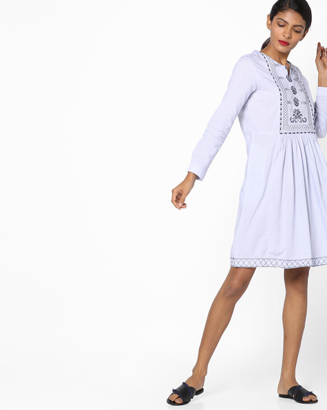 Pleated Shift Dress With Embroidery By Tokyo Talkies ( Multi )