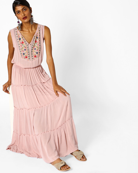 Sleeveless Tiered Maxi Dress By Oxolloxo ( Peach )