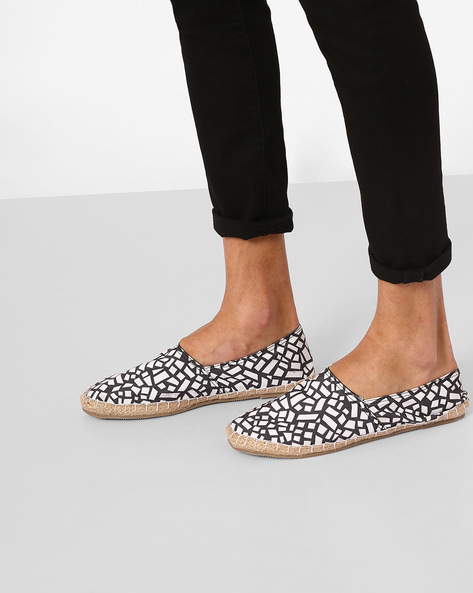 Printed Canvas Espadrilles By FAMOZI ( Black )