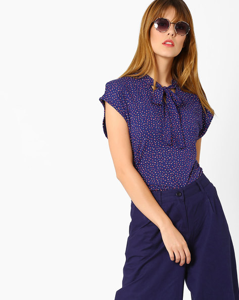Ditsy Print Top With Tie-Up Detail By AJIO ( Navyblue )