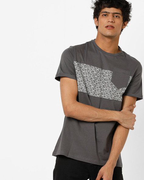 Crew-Neck T-shirt With Printed Panel By AJIO ( Darkgrey )