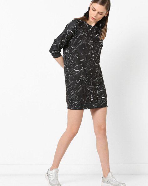 Printed Shift Dress With Raglan Sleeves By Project Eve WW Athleisure ( Black )