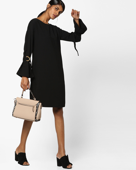 Shift Dress With Sleeve Slits By AJIO ( Black )