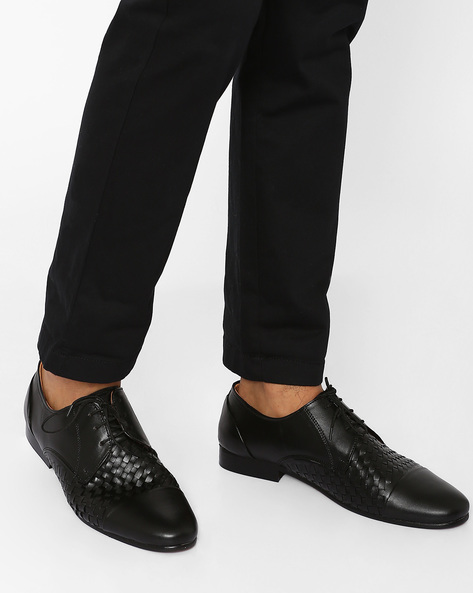 Basket-Weave Lace-Up Shoes By Modello Domani ( Clearblack )
