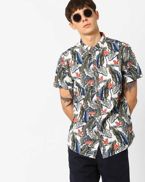 Slim Fit Shirt With Tropical Print By AJIO ( Olive )
