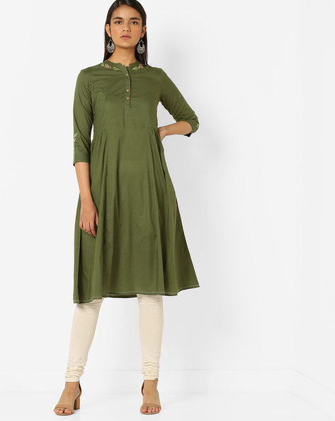 Embroidered A-line Kurta With Mandarin Collar By AJIO ( Green )