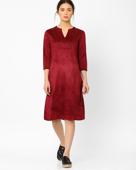 Shift Dress With Embroidery By AJIO ( Burgundy )