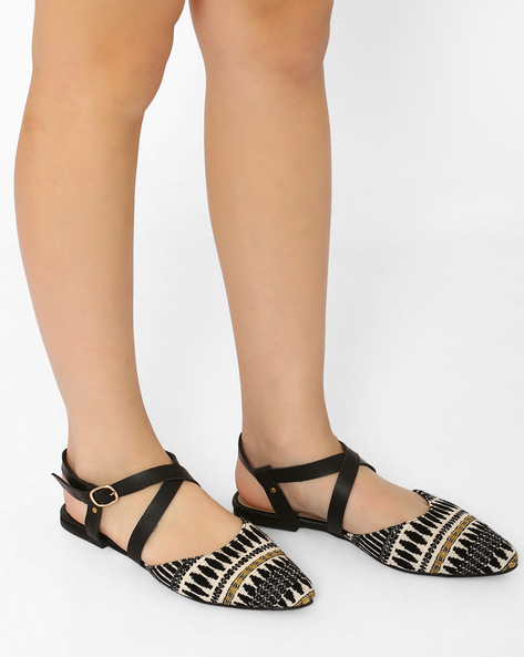 Pointy-Toe Flat Shoes By Curiozz ( Black )