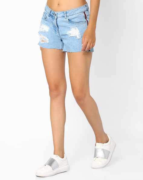 Distressed Denim Shorts By Ginger By Lifestyle ( Lightblue )