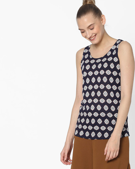 Knitted Sleeveless Top By DNMX ( Navy )