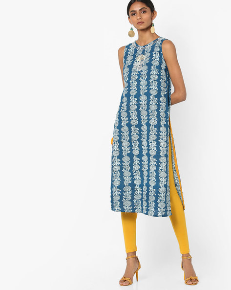 Sleeveless Cotton Kurta With Floral Embroidery By AJIO ( Blue )