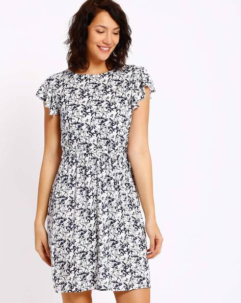 Printed Fit And Flare Dress By CHM ( White )