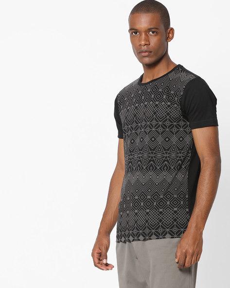 Geometric Print Cotton T-shirt By FLYING MACHINE ( Black )