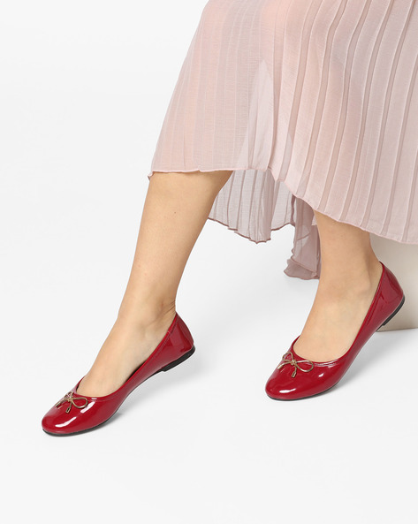 Round-Toe Ballerinas With Bow By Carlton London ( Cherry )