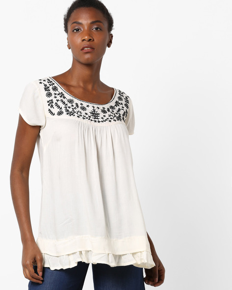 Top With Floral Embroidery By AJIO ( Offwhite )
