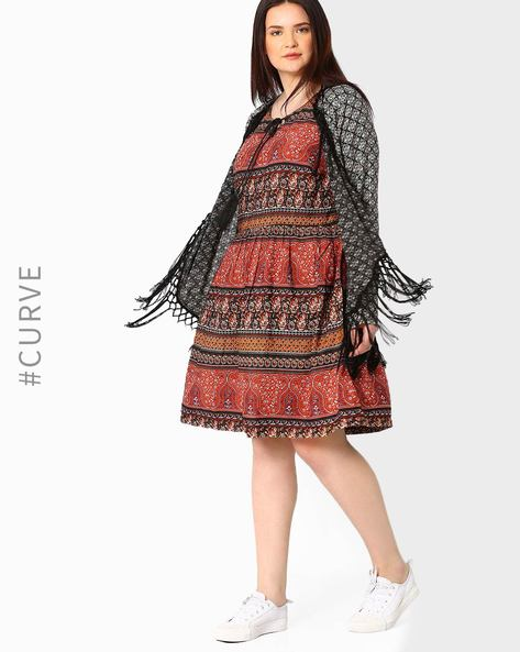 Printed Shrug With Tassels By Oxolloxo ( Black )